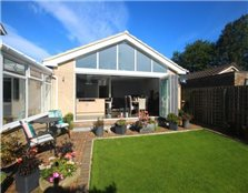 2 bedroom detached bungalow to rent