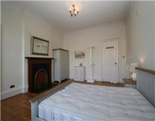 3 bedroom flat to rent Broughton