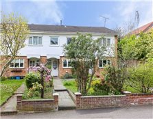 2 bed terraced house for sale South Woodford
