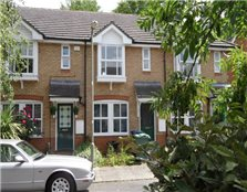 2 bed terraced house to rent New Botley