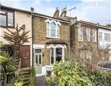3 bed end terrace house for sale South Woodford