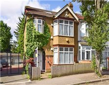 4 bed end terrace house for sale South Woodford